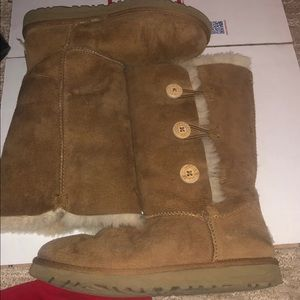 Brown uggs size 6